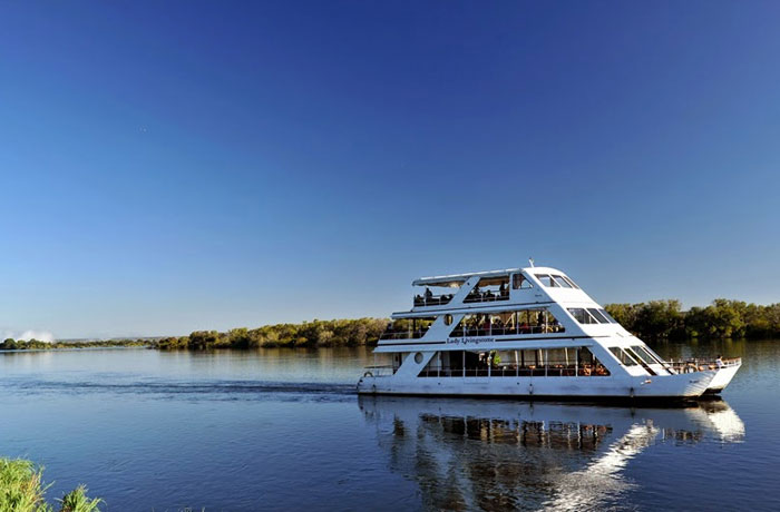 safpar-livingstone-accommodation-david-livingstone-safari-sunset-cruise-1