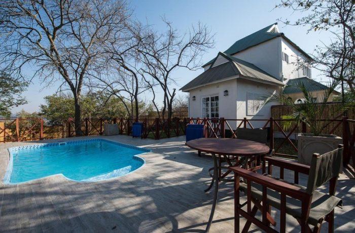 safpar-livingstone-accommodation-the-river-club-princess-mary-suite-1