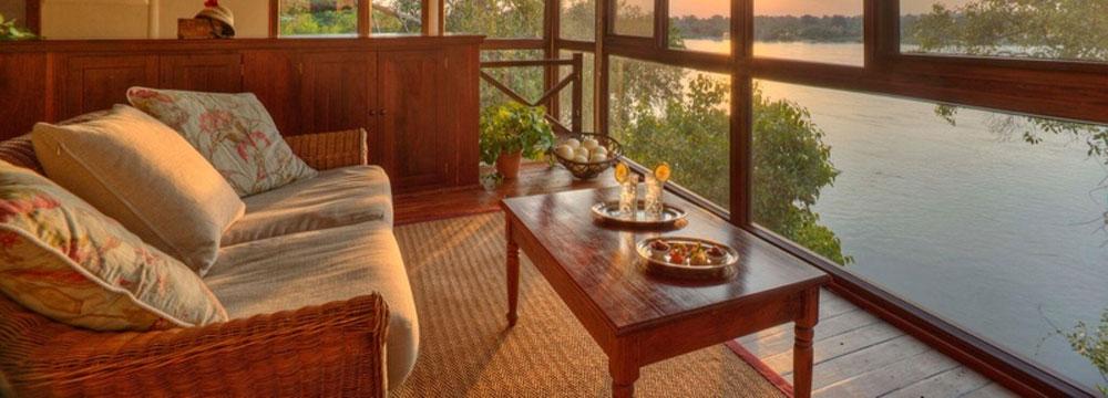 safpar-livingstone-accommodation-the-river-club-river-suite-3