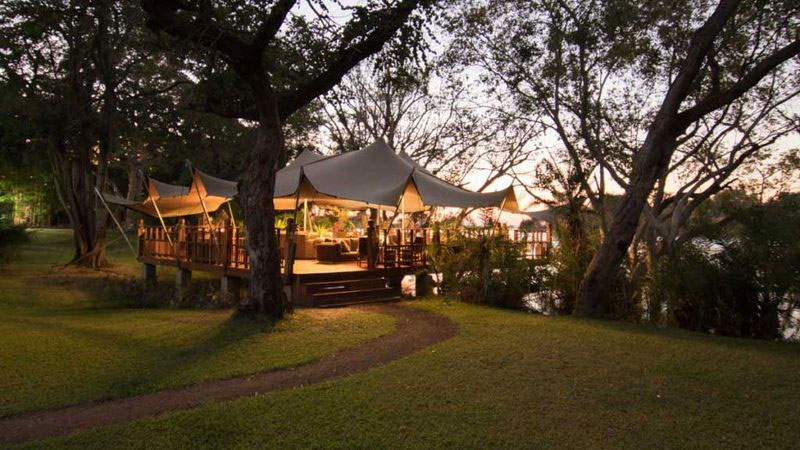 safpar-elephant-cafe-blog-vicfalls24