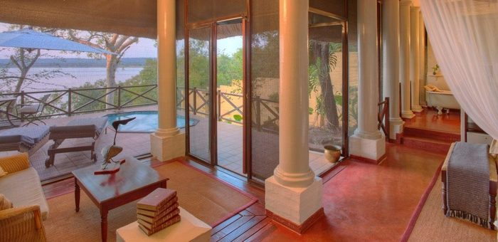safpar-livingstone-accommodation-the-river-club-luxury-river-suite-3