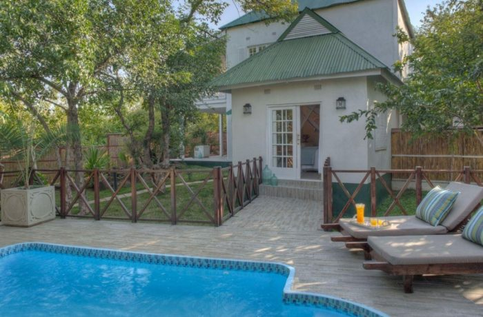 safpar-livingstone-accommodation-the-river-club-princess-mary-suite-2