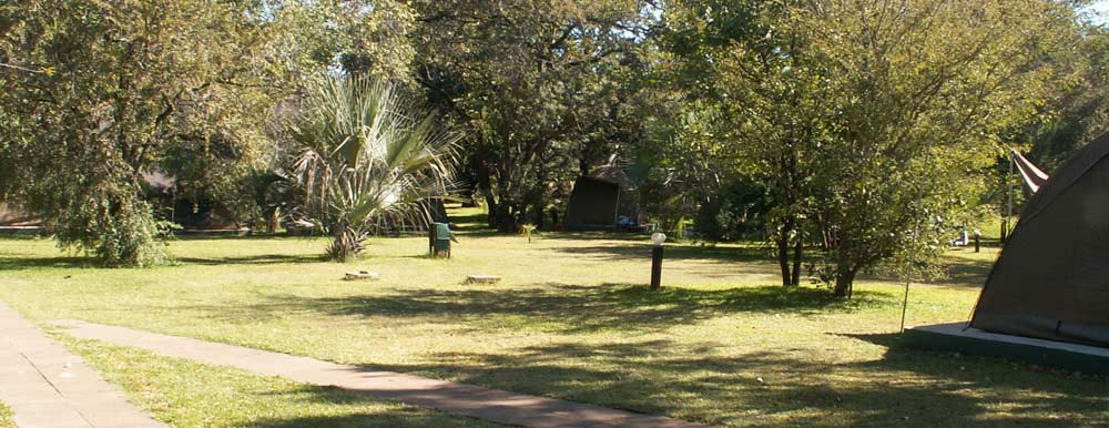 safpar-affordable-livingstone-accommodation-victoria-falls-waterfront-camping
