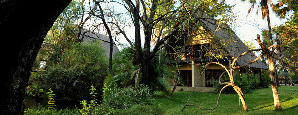 safpar livingstone accommodation victoria falls waterfront chalets