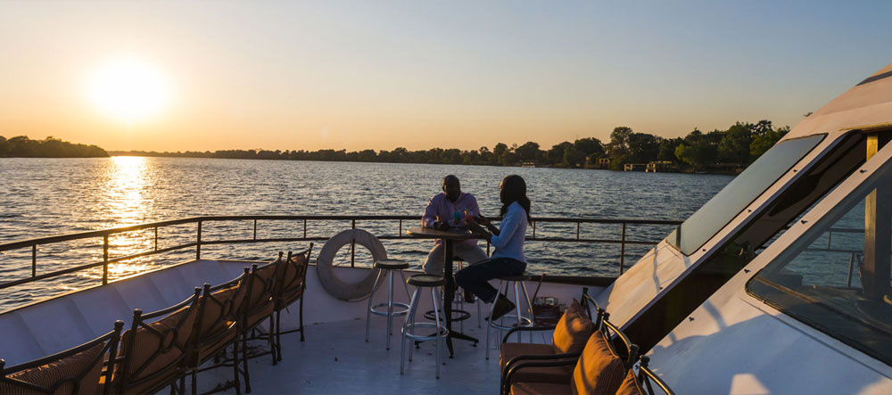 safpar-zambezi-river-cruise-lady-livingstone-deck
