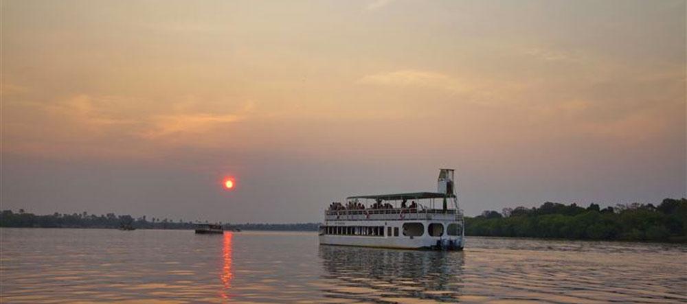 safpar-zambezi-river-cruise-makumbi
