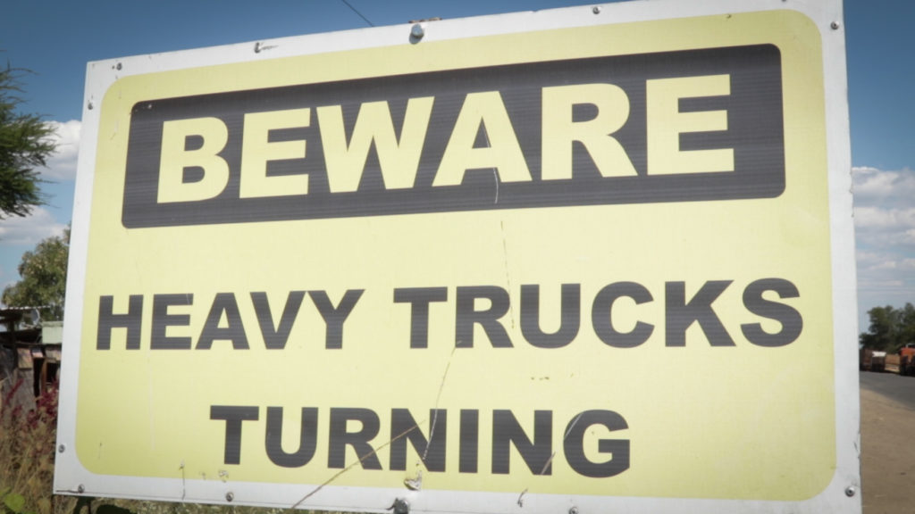 Trucks turning sign.
