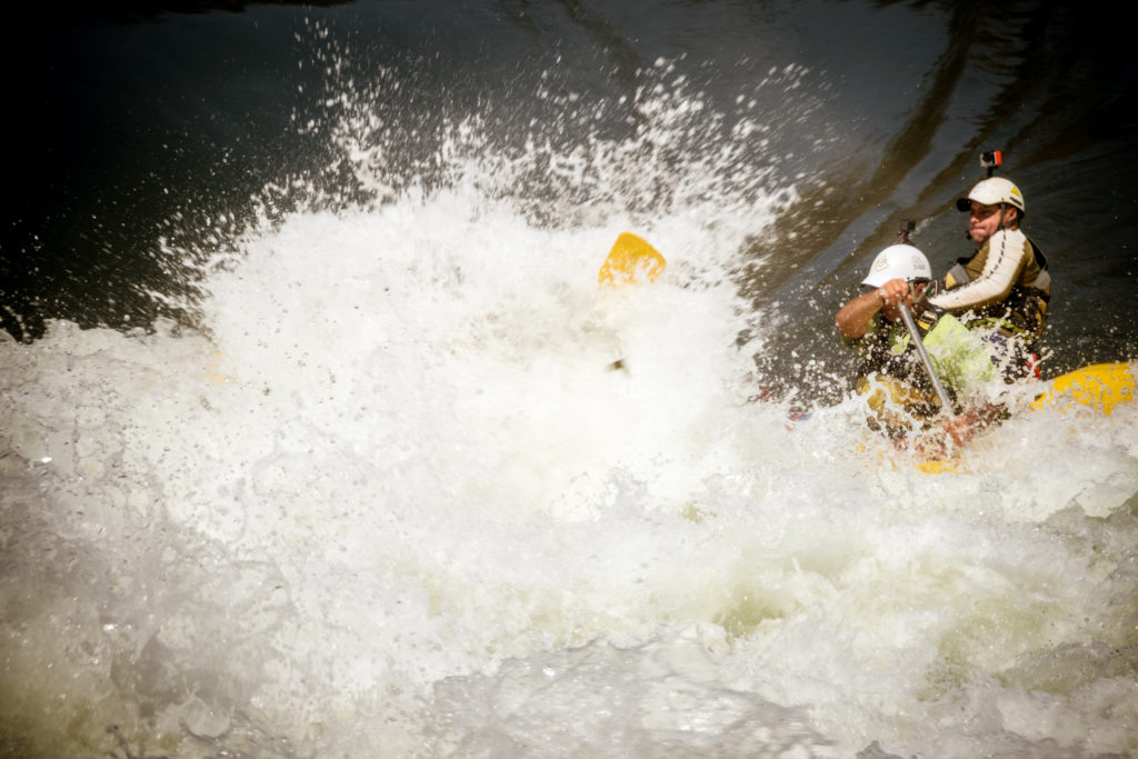 Raft, spray explosion, WWR, rafting Zambezi.