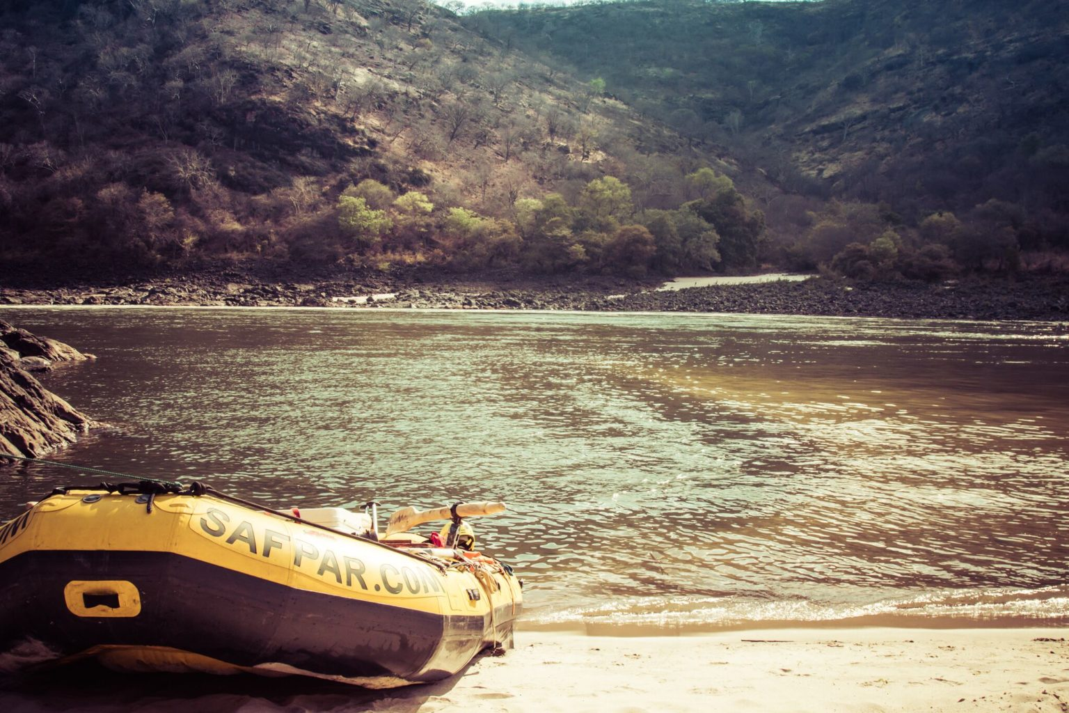5 Bucket-List Moments on a Zambezi Multi-Day Rafting Trip